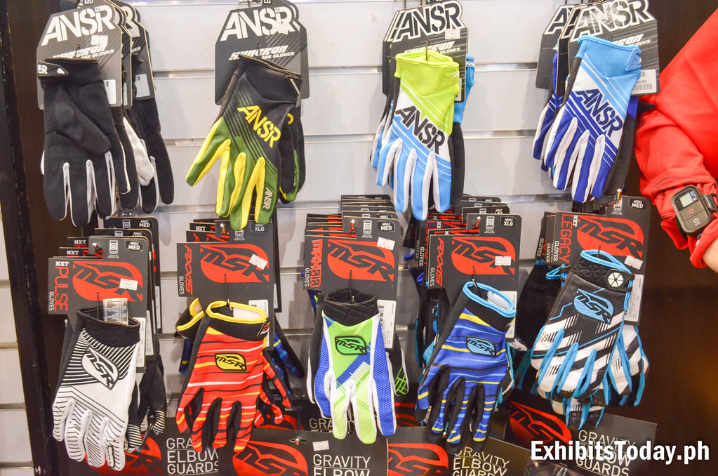 ANSR Motorcycle Racing Hand Gloves Displays