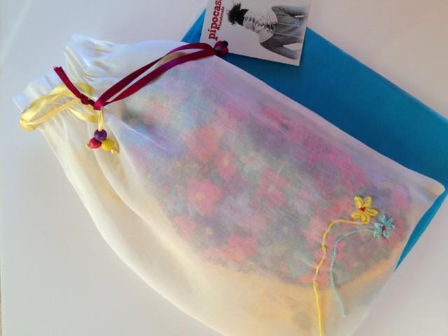 bolso con bolsita de guardado personalizada
