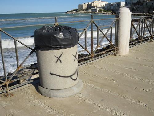 Trash bin in Vieste