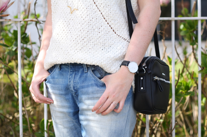 cross body bag, daniel wellington watch, boyfriend jeans