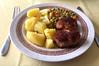Meatballs with peas, carrots & potatoes / Frikadellen mit Erbsen, Möhren & Kartoffeln