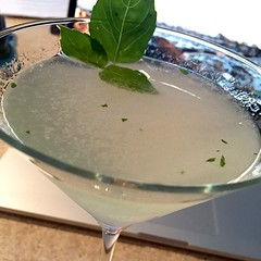 Bombay East (with lemongrass and black pepper), lime, basil and St. Germain - this is nice :wink: