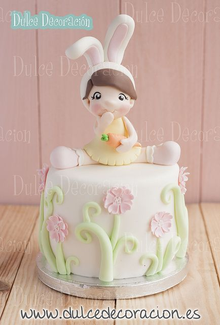 Bunny Girl Cake by Dulce Decoracion