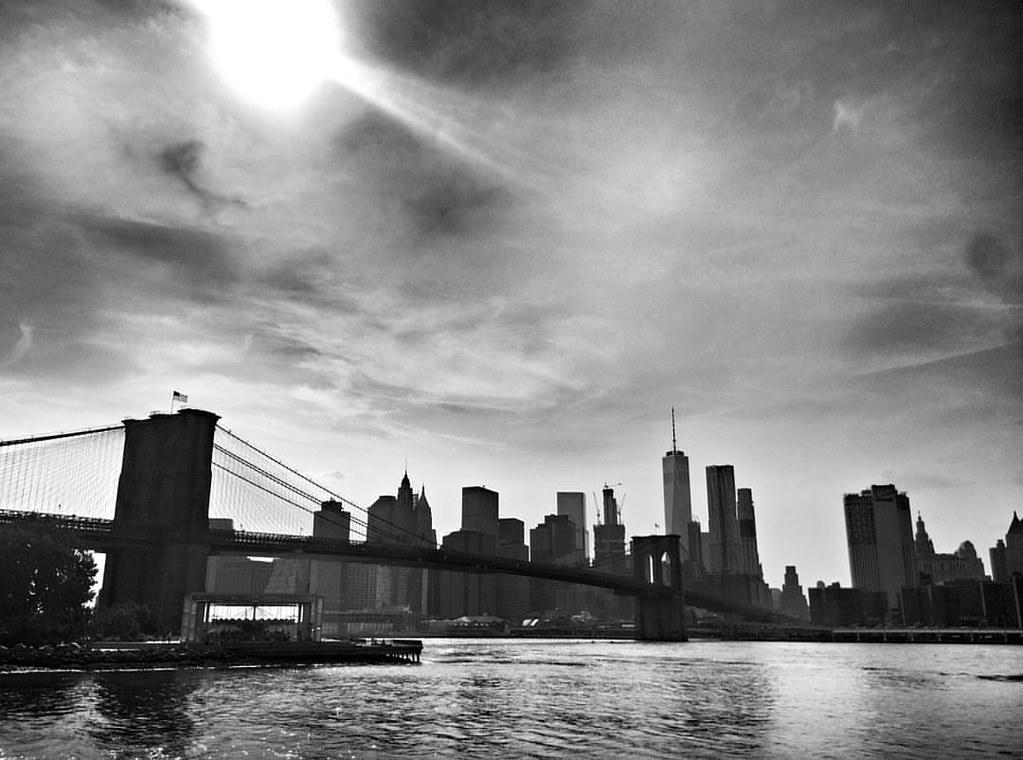 Brooklyn bridge view and skyline  #Newyork #nyc #newyorkcity #manhattan #Photo #Photography #Travel #travelgram #trip #iloveny #ilovenyc #newyorkphoto #instacool #instanewyork #mynyc #bigapple #archilovers #thebigapple #building #blackandwhite #bw #igers