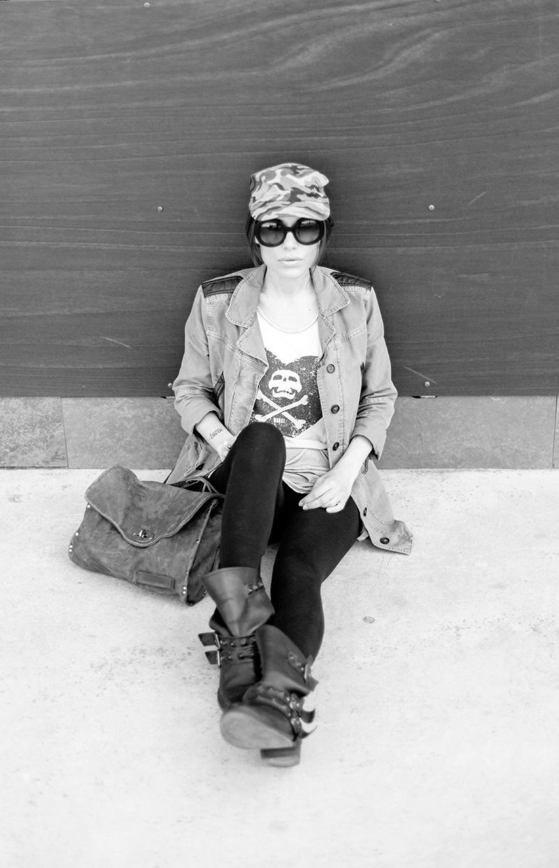 street style barbara crespo military skull motorbike boots hakei fashion blogger outfit blog de moda