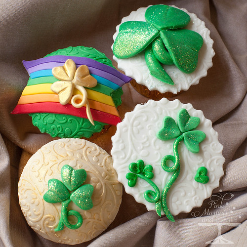 St. Patrick's Day Cupcakes-8854logo