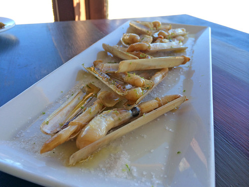 Grilled Galician razor clams