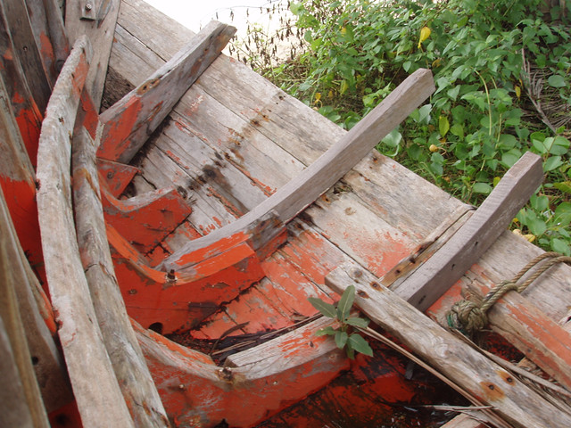 201501150047-old-boat_resize