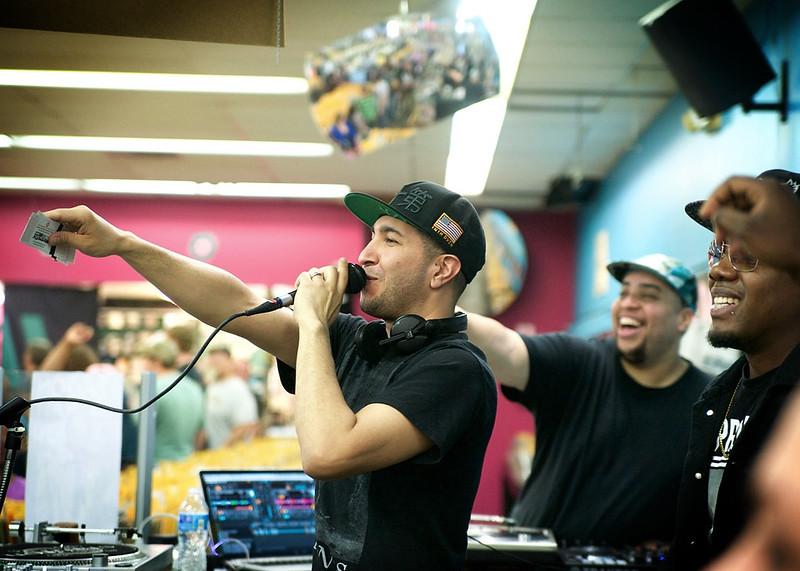 DJ Promote @ Vintage Vinyl