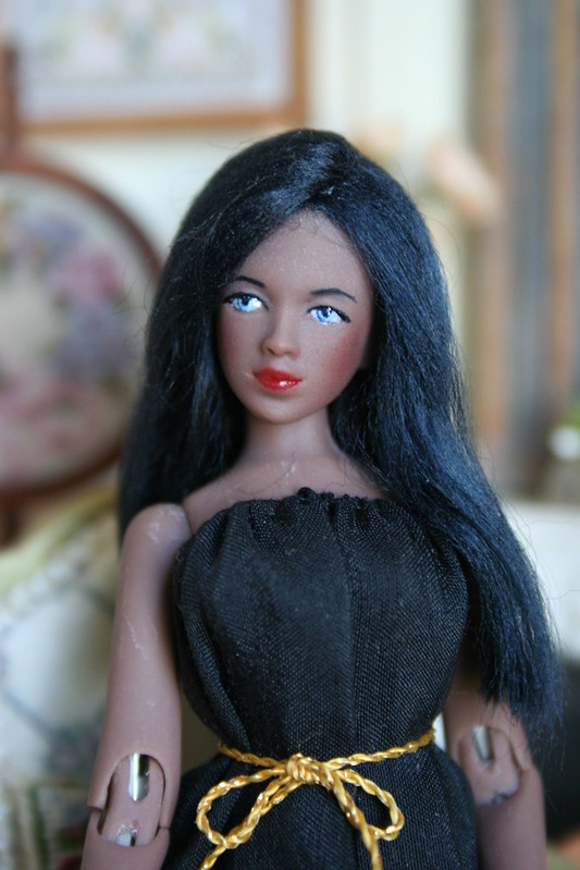 Marika, poupée miniature 17231422925_a1728649eb_c