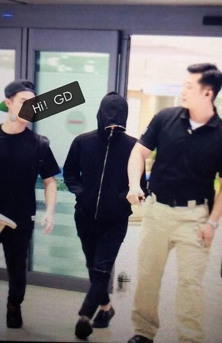 GD-arrival-IncheonSeoul-20140915(6)