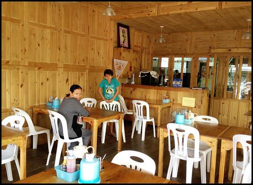 Krua Suan Cha Indoors