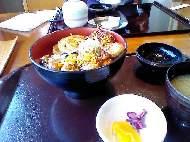 浜名湖の牡蠣で、牡蠣カバ丼