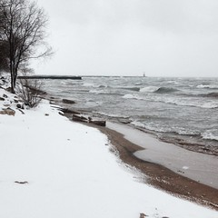 Gotta love this spring weather we're having here in #Chicago #lakemichigan