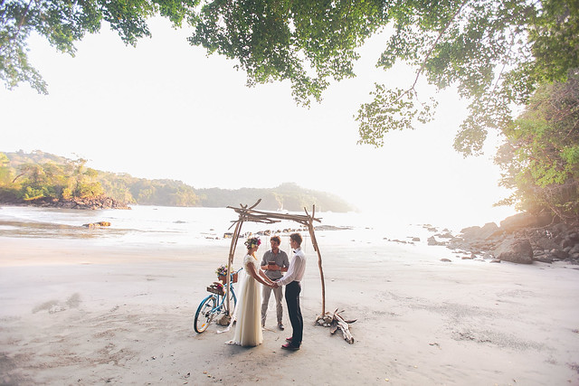 E & G Costa Rica Beach Elopement 6