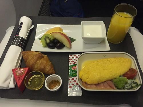 JAL Business Class breakfast