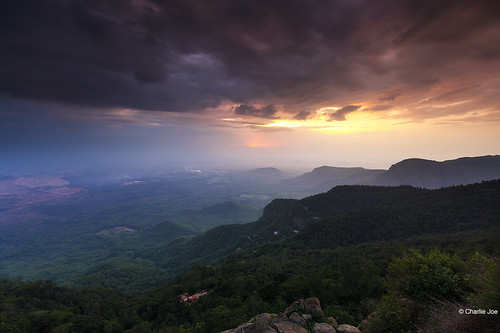 road travel sunset india mountain tourism nature sunshine clouds landscape smoke hill lee tamilnadu yercaud easternghats incredibleindia leefilters servarayan shevaroy
