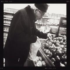 An elderly man shopping! #oldman #heartofgold #woodstockontario #blackandwhite #blackandwhitephotography