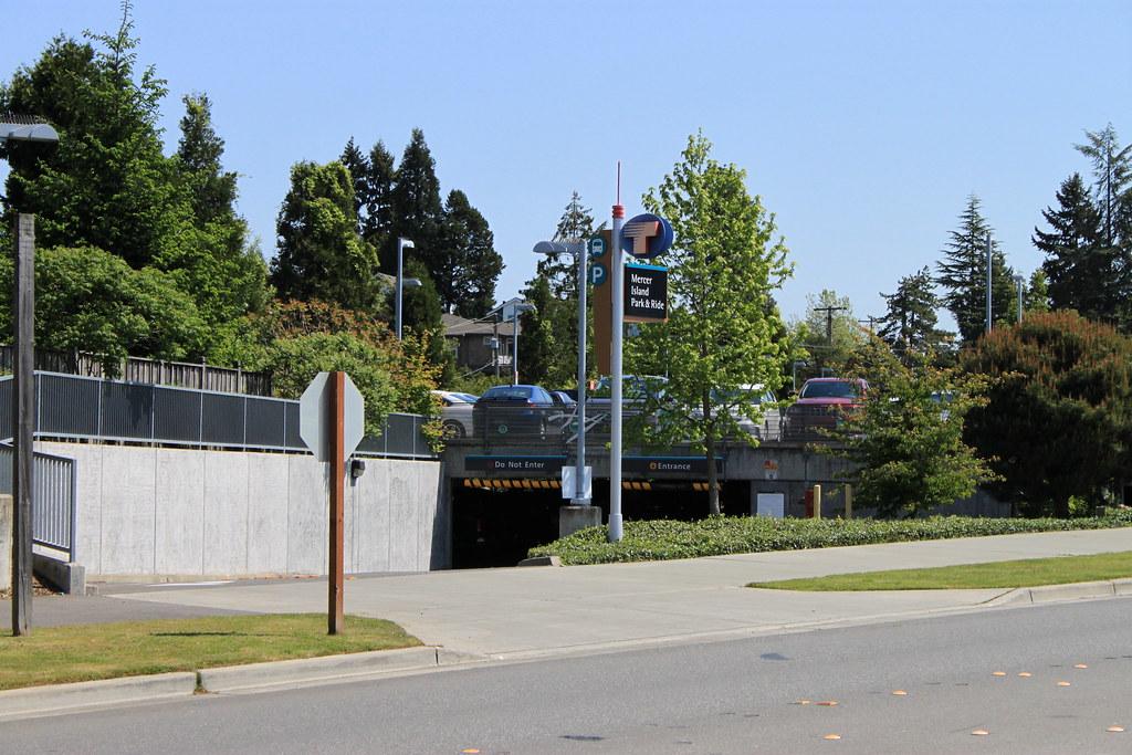 Mercer Island P&R parking garage | SounderBruce | Flickr