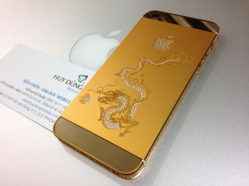 Mẫu vỏ 5 và 5s Rồng mẩu trên vàng nhẹ cẩn đá