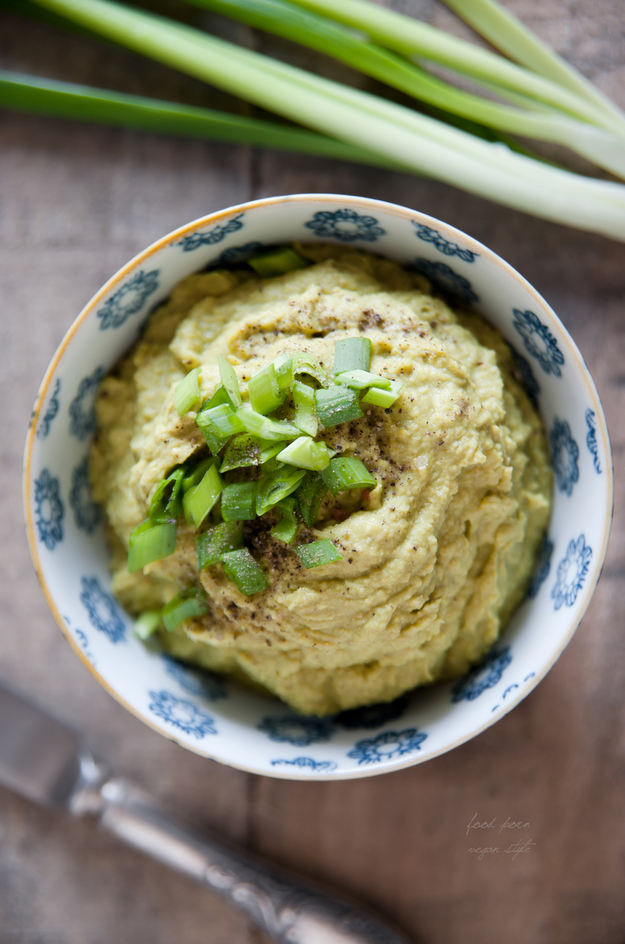 "Vegan ""egg"" spread / dip"