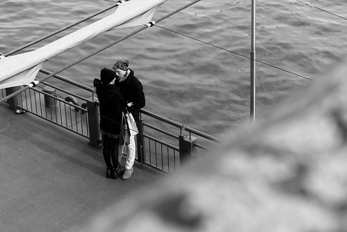 Frankfurt - Lovers at river Main (Eiserner Steg)