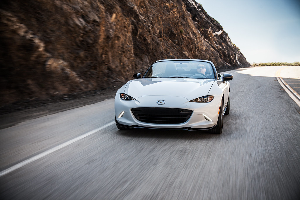 2016 MX-5 Miata fuel economy improves dramatic 25 percent versus outgoing model