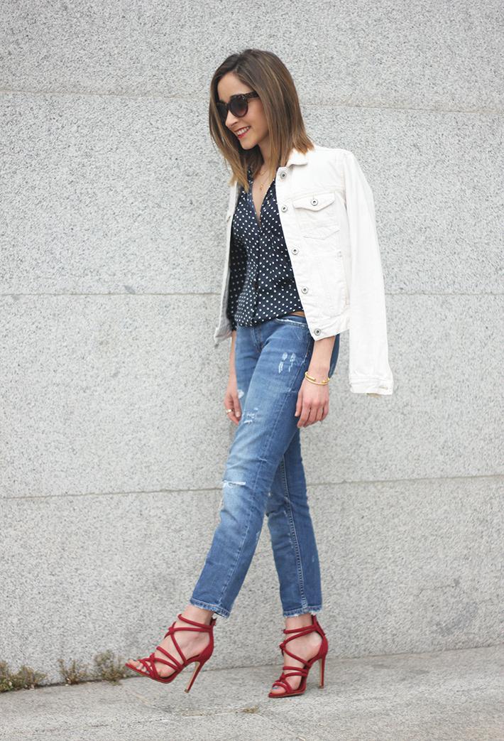 polka dots shirt jeans red sandals zara02