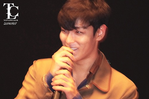 TOP-StageGreeting_Day2-LotteYongsan_20140907-(9)