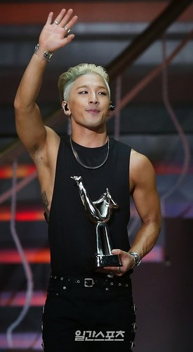Taeyang-GoldenDisc-Awards-mainshow-20150114-press-106