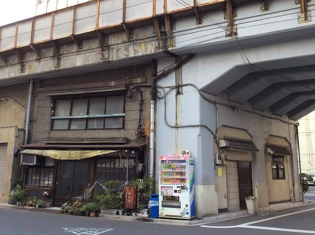 浅草橋駅高架下建築 (10)