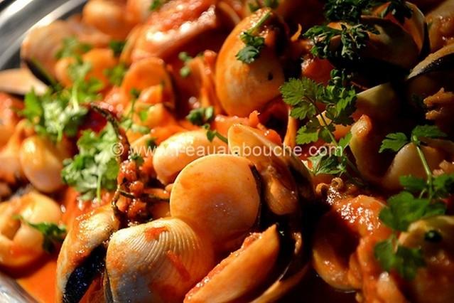 Soupions et Coquillages à la Sauce Piquante  © Ana Luthi Tous droits réservés