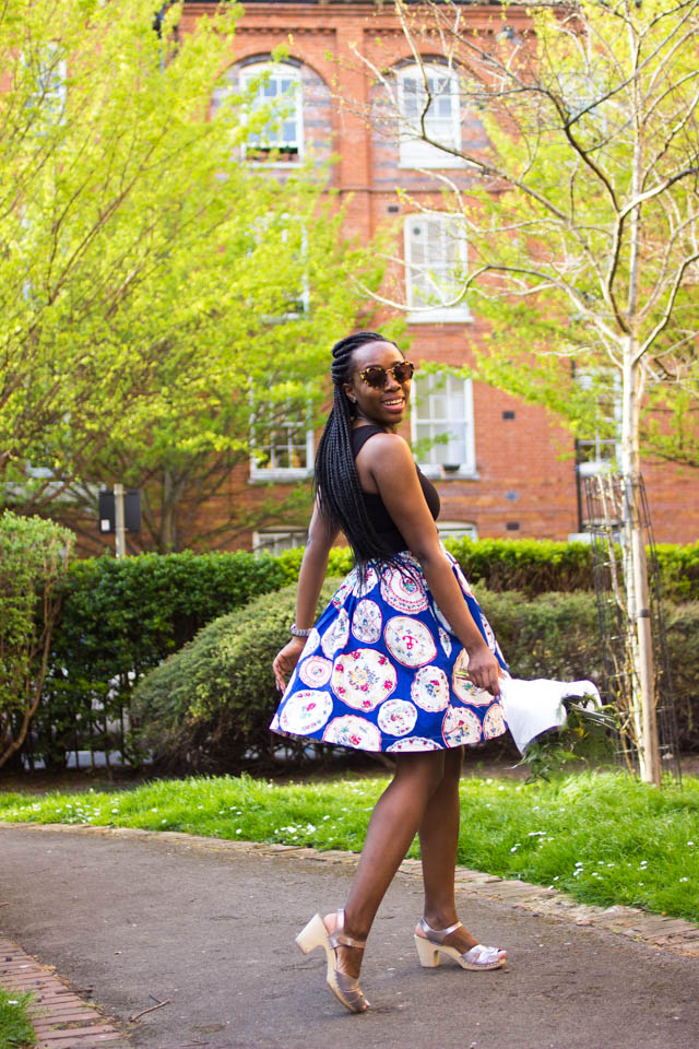 how to wear a vintage style skirt