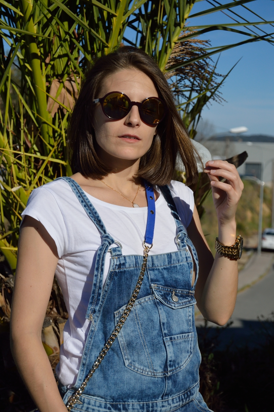 lara-vazquez-mad-lula-style-ootd-denim-fashion-streetstyle-white-tee-blue