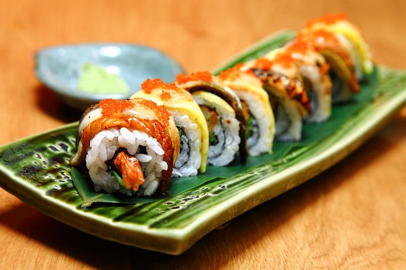 Tokyo-Kitchen-Special-Roll