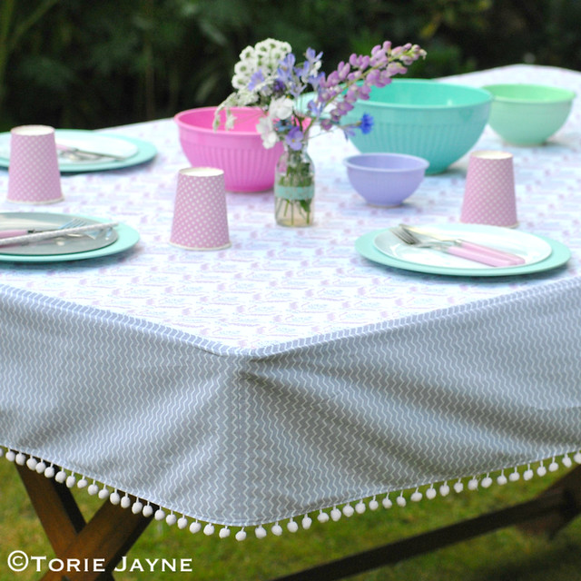 Pom pom trim tablecloth tutorial