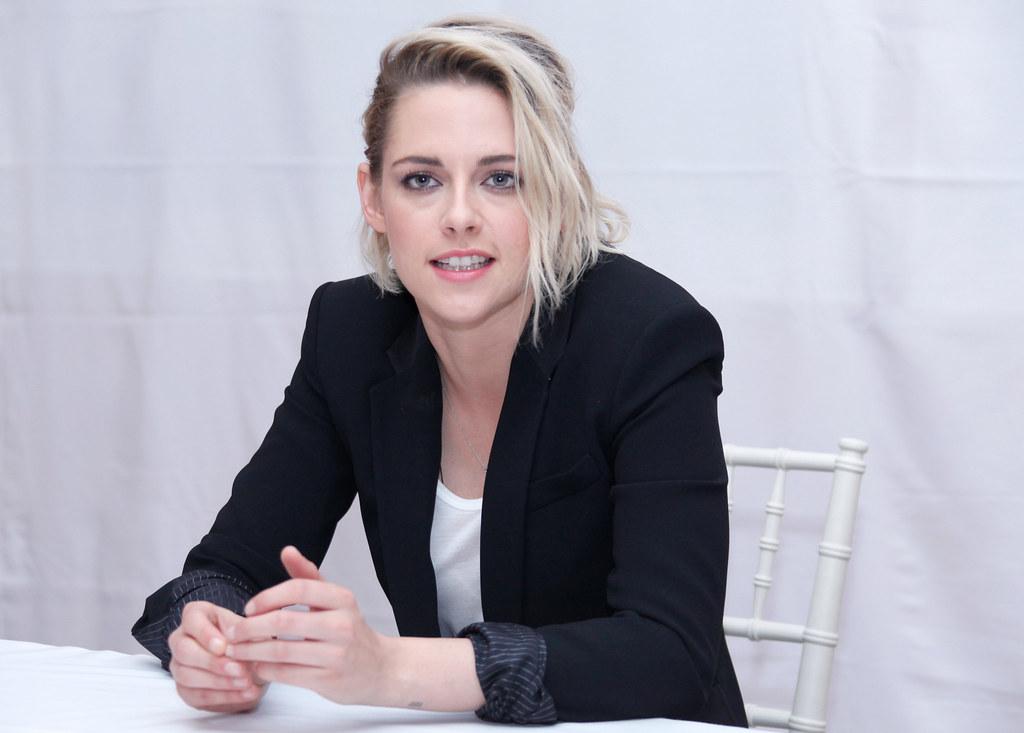 Кристен Стюарт — Пресс-конференция «Cafe Society» 2016 – 50