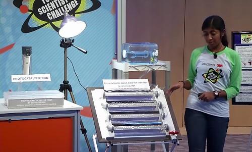 迪皮卡‧古律(Deepika Kurup)發明太陽能淨水裝置。(圖片來源:影片截圖)
