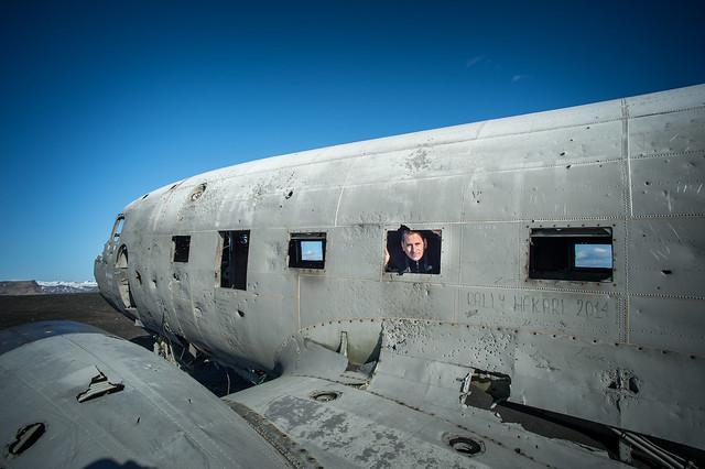Sele en el avión abandonado de Islandia