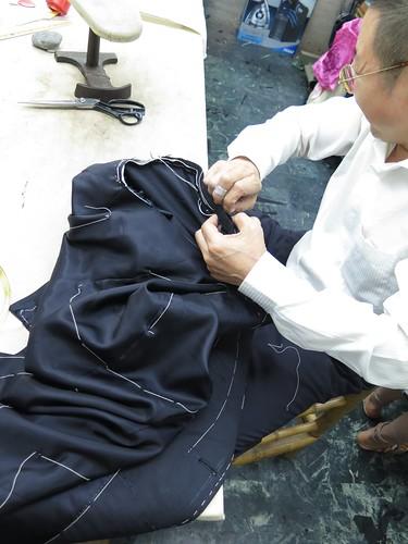 首次曝光!拿破倫手工西服製作工具、場地大公開_上袖程序