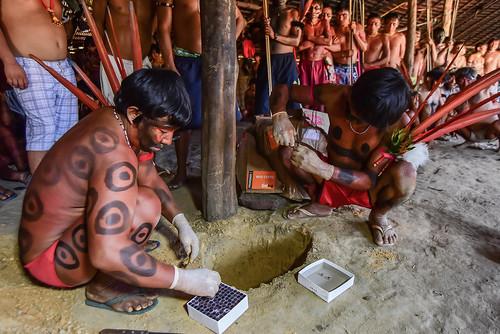 Artesanato Halloween Eva ~ Em cerim u00f4nia,índios Yanom u00e2mis enterram sangue repatriado dos Estados Unidos EcoDebate