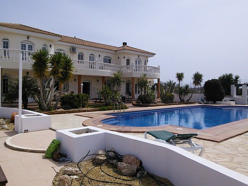 villa pool2