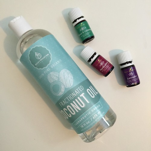 young living essential oils fractionated coconut oil
