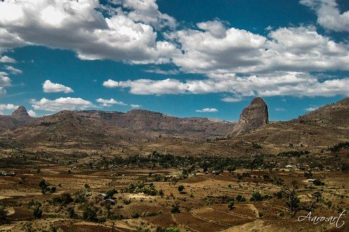 trees mountains clouds canon way landscape heaven feld himmel berge ethiopia landschaft blauer äthiopien busfahrt aaroart