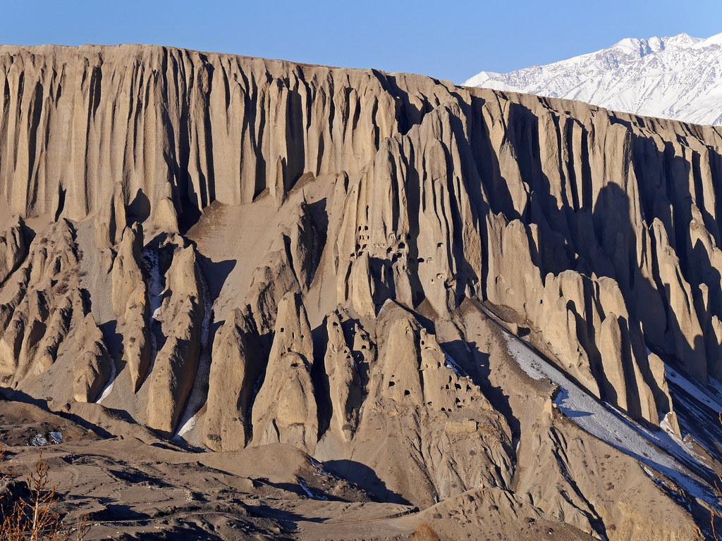 Mustang_1202 Caves near Yara