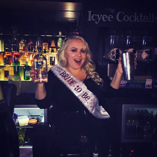 Showing off my cocktail making skills! (Not really, I kept getting distracted by shiny things 😂) #lildarlin #lildarlincocktailbar #bacheloretteparty #hensnightsydney