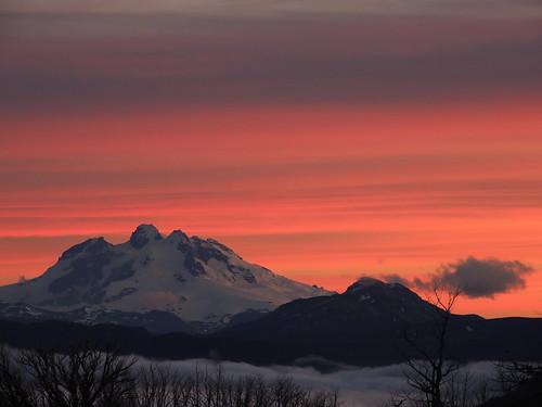 chile atardecer andes parquenacional montetronador chilecentral parquenacionalpuyehue regióndeloslagos volcánpuyehue