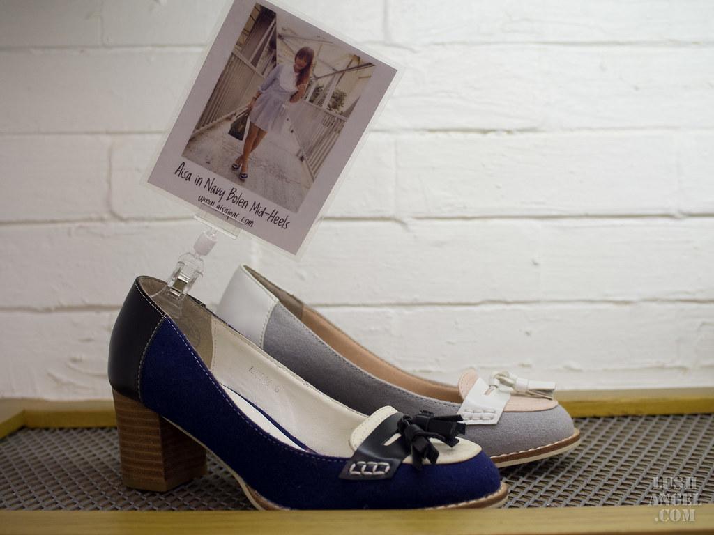 lebunny-bleu-mid-heels