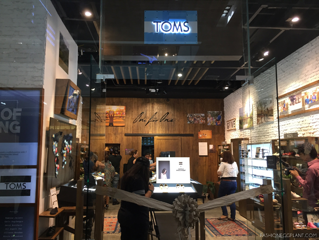 TOMS ART OF GIVING
