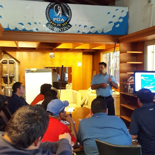 Enseñando a Enseñar. Instruyendo a la futura generación de Profesores de Golf de la PGA de ARGENTINA.   Teaching to teach. Educating the future generation of Golf teachers at PGA of ARGENTINA.  #MarioCrisciPGA @PGAOFICIAL1 @PGAVillage @swingshot @swingbyt